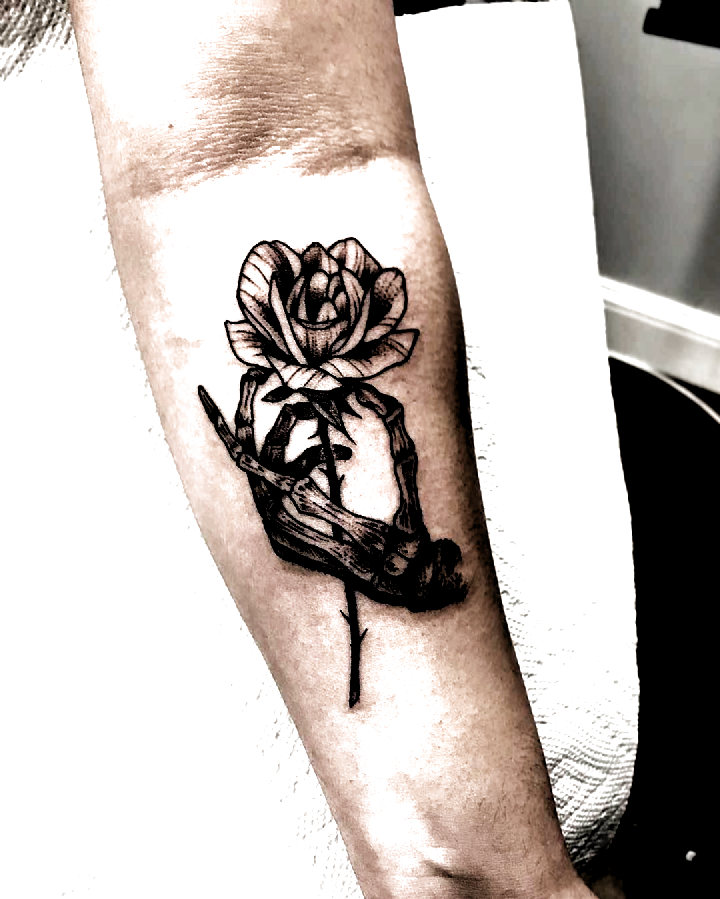 Chicago Tattoo Artist On Instagram Happy Friday Skeleton Hand Rose Tattoo Ideas Female Sleeve In 2020 Tattoo Artists Tattoos Tattoos For Women