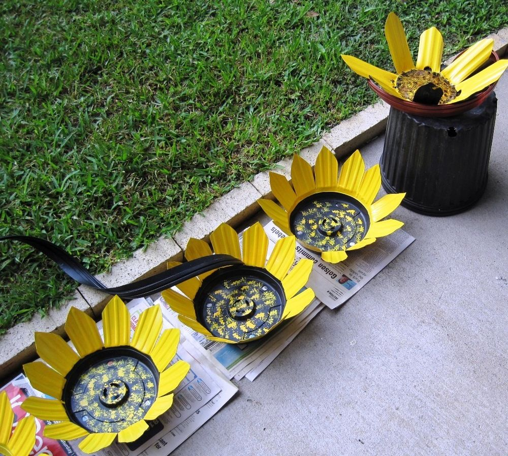 Sunflowers from recycled black pots | Garden Decor | Pinterest ...