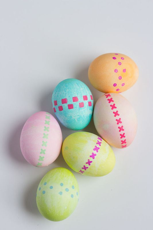 Easy Pretty Easter Egg Decorating Ideas With Stencils At Design Improvised