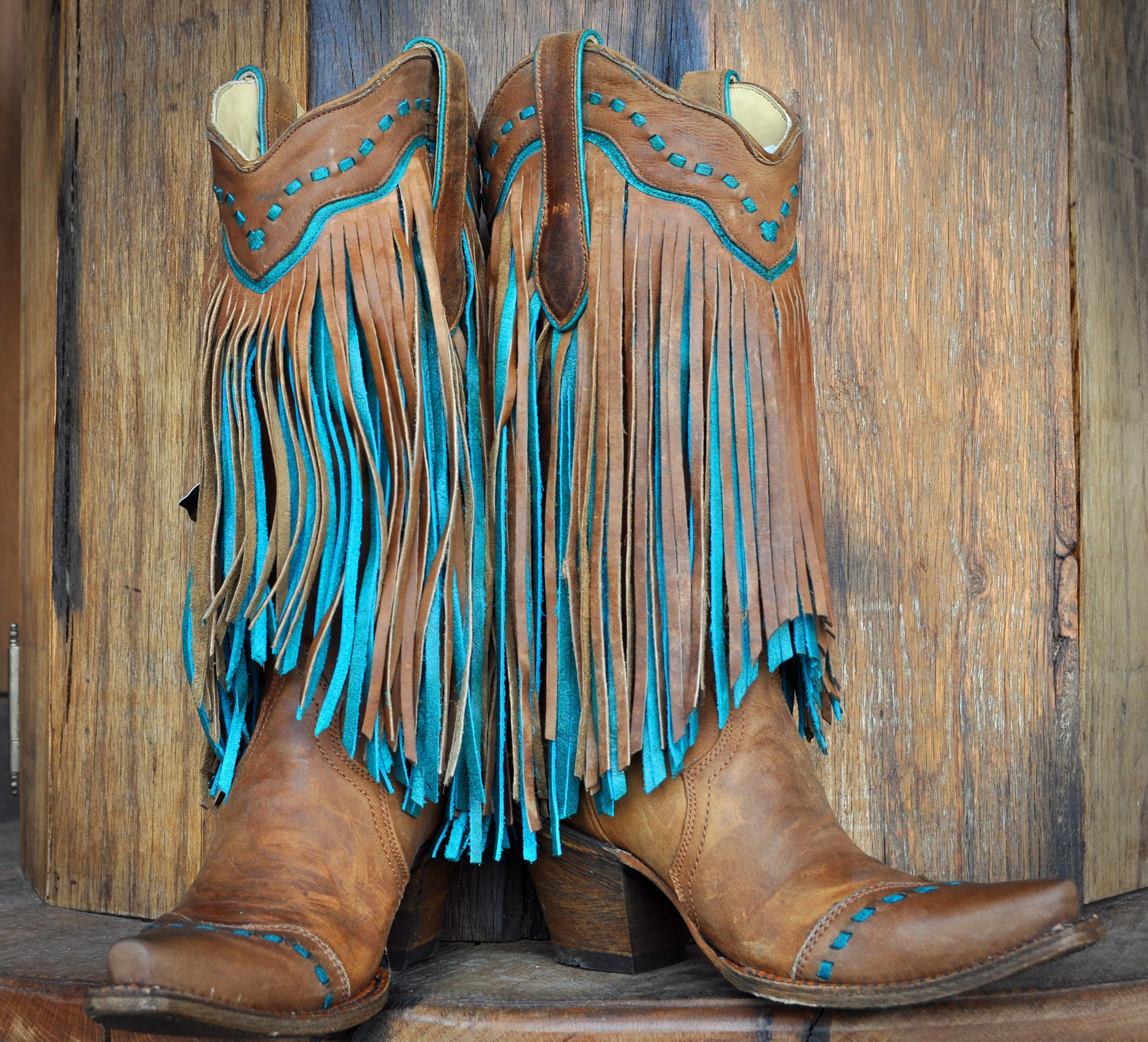 2b8ea1f9a1 Cowgirl Stiefel. Cowgirlart. Ladies Corral Tan and Turquoise Fringe Boots -  Ranch Outlet Taschen, Kleidung, Boho Stiefel