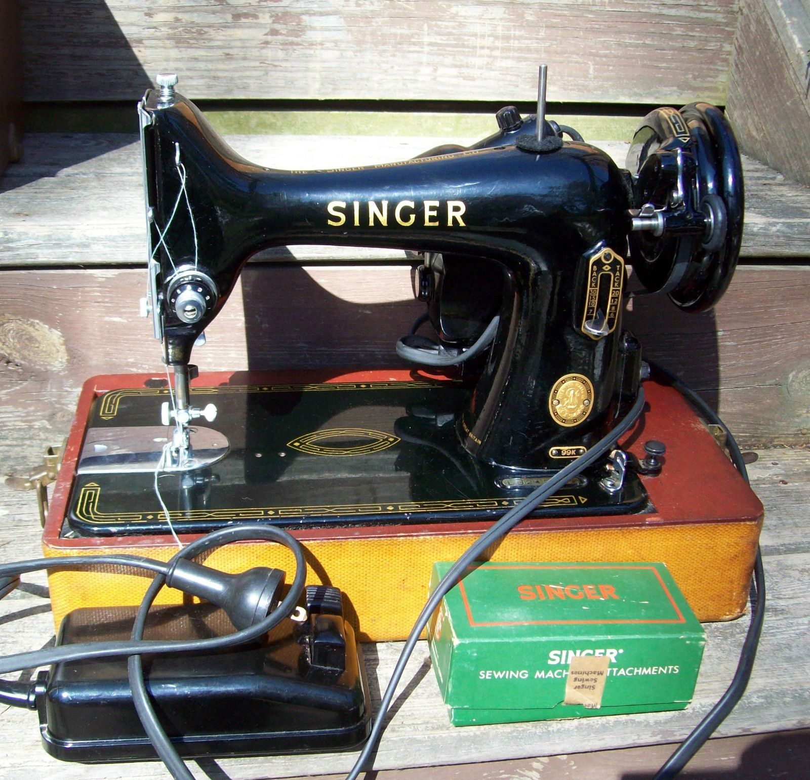 Vintage 99K Portable Singer Sewing Machine 1956 & Singer Sewing AttachmentsWORKS   eBay