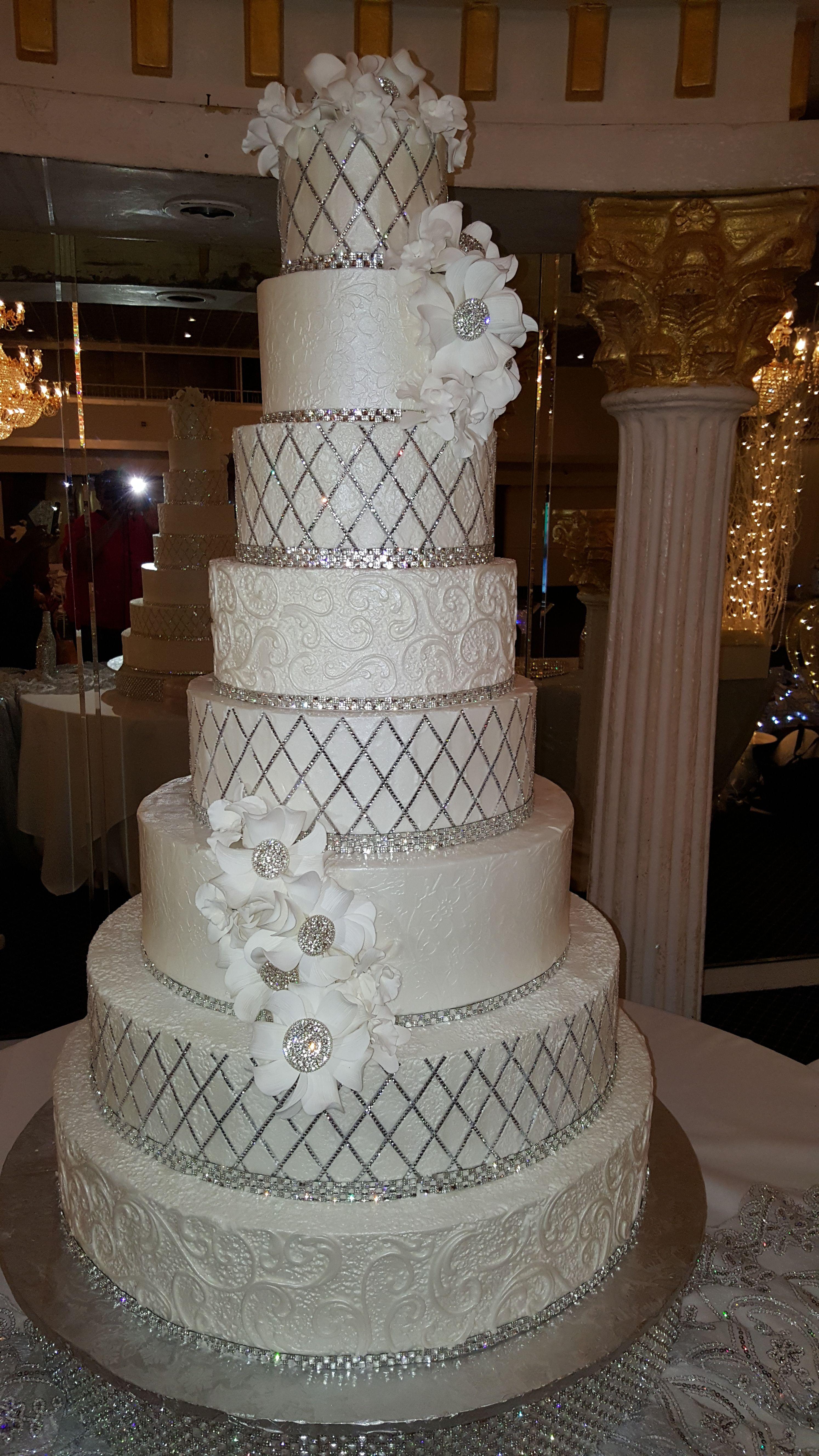 Tall Bling Wedding Cake Bling Wedding Cakes Beautiful Wedding Cakes Big Wedding Cakes