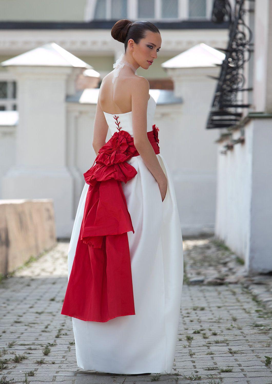 Again wtf dress but love the belt wedding fashion pinterest