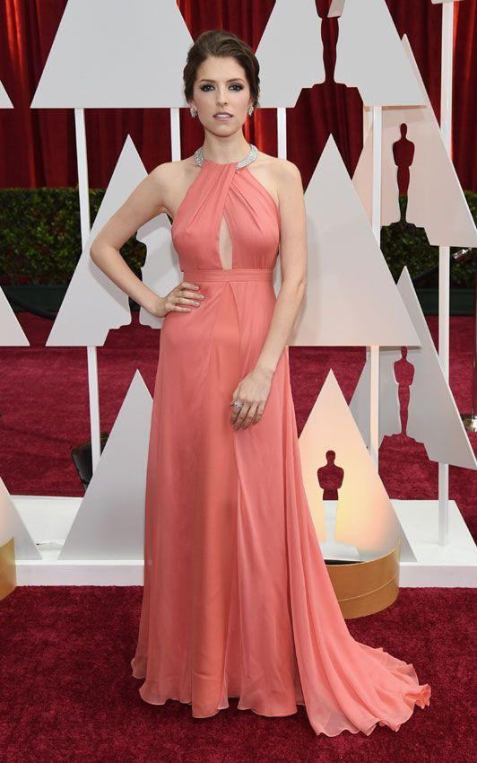Actrices sobre la alfombra roja de los Oscar 2015: ¿Quién es la más elegante? Anna Kendrick