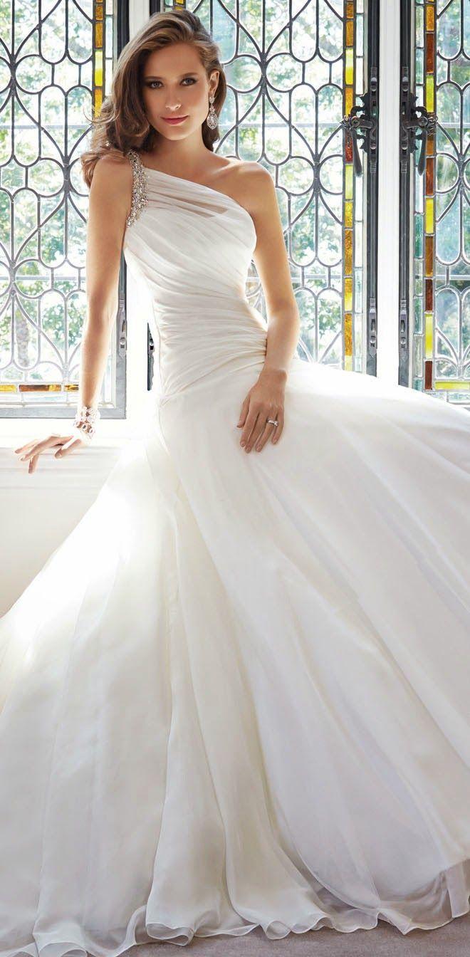 Strapless one shoulder Wedding Dress wedding dress  One Shoulder