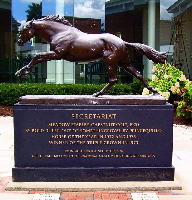 Secretariat Statue @The Racing Hall of Fame | Horses, Beautiful ...