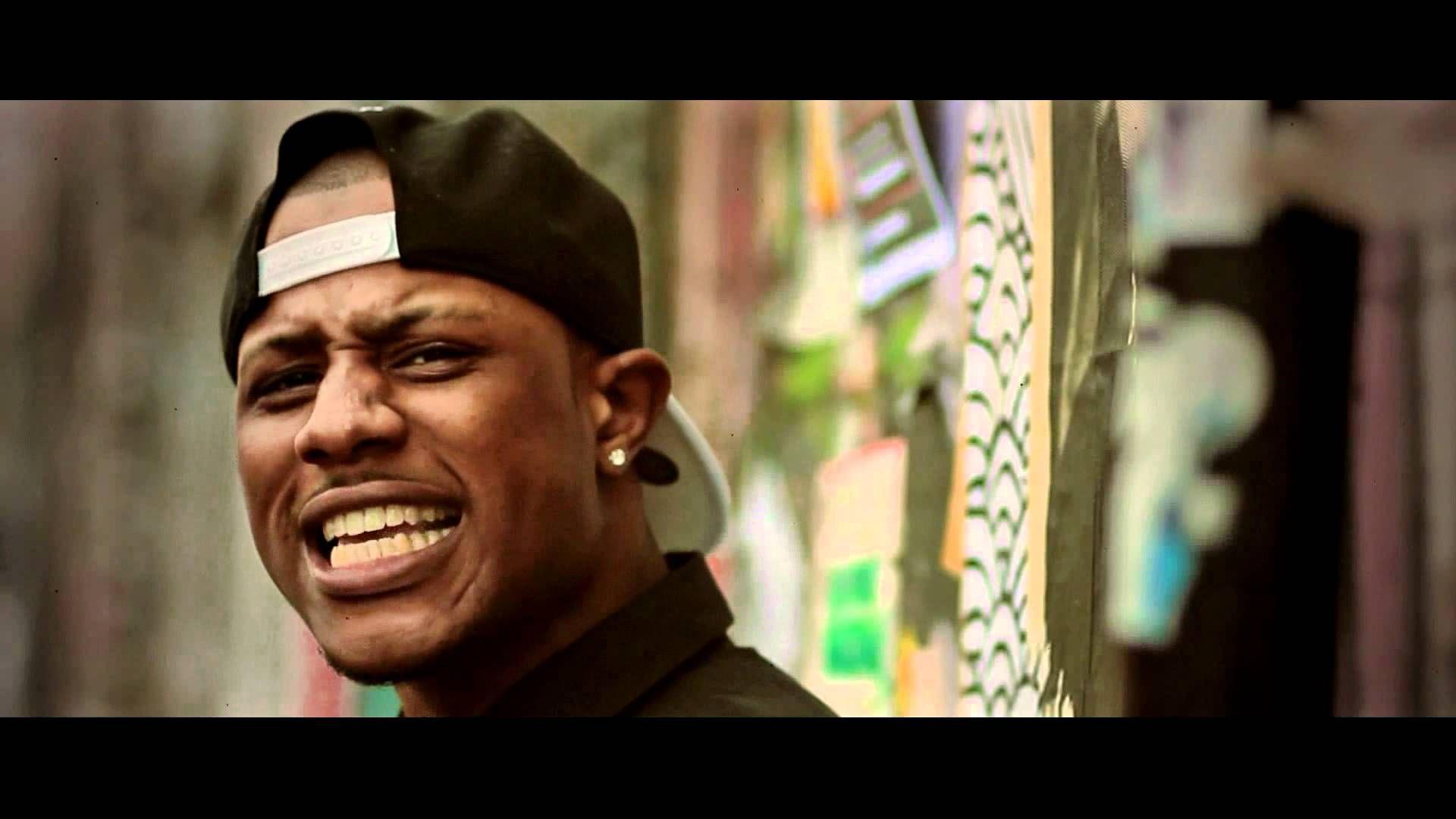 "Shaz Rahman ""Kick in the door"". #Shaz #Rahman #Kikinthedoor #officialvideo #video #rnb #rnbMusic #soul #SoulMusic #music #UKmusic #UKartists #UKrnb #pop #PopMusic #artists #NewMusic #songwriter #singer #song #london #UK #LondonMusic #MusicLover #LateNightLabs #Usher #NeYo #dreads #dreadlove #dreads #locks #BlackIsBeautiful #dance #dancing #dancer #UKrap"