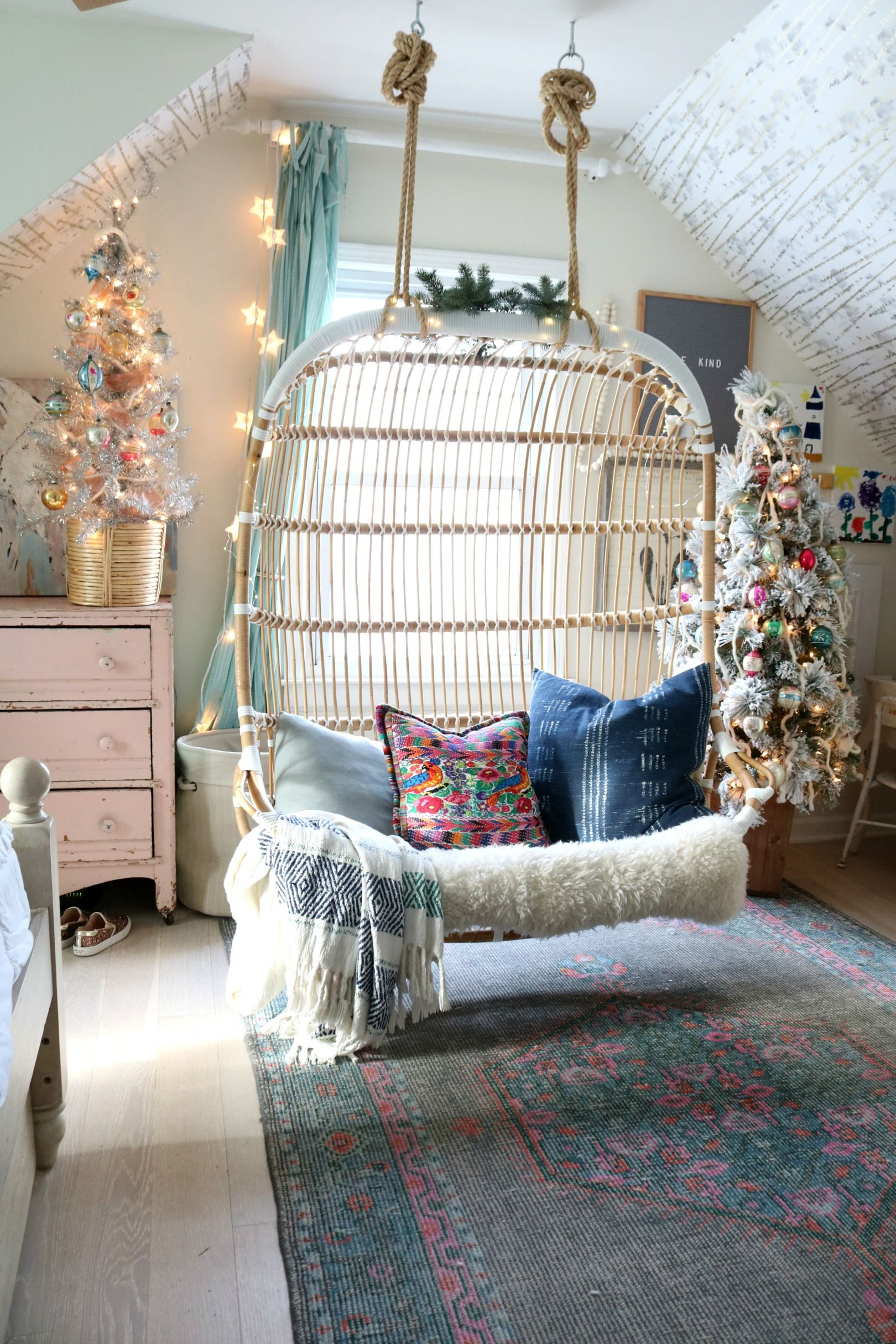 Small Teens Bedroom Decorating Ideas Christmas on teenage boys bedroom ideas, bedroom wall mural ideas, cheap teenage bedroom ideas, diy teen bedroom ideas, teenage girl bedroom ideas, modern teens bedroom design ideas, small tween girls bedroom sharing, small bedroom design ideas, bedroom makeover ideas, bedroom desk ideas, teenage room decorating ideas, small teenage bedroom designs, bedroom headboard feature wall ideas, teen bedroom decor ideas, small teenage girl bedroom, blue and gray teen bedroom ideas, storage for small bedrooms ideas, small boys bedroom ideas, small bedrooms for teens, horse themed bedroom ideas,