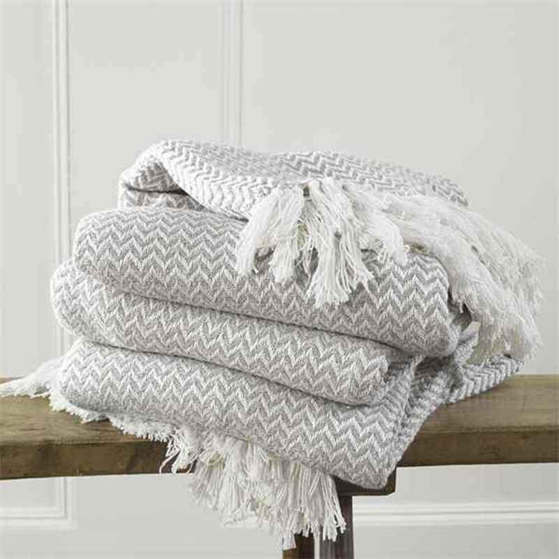 Safi Throw In Linen Uk Delivery In 2020 Sofa Bed Throws Bed Throws Bed Linens Luxury