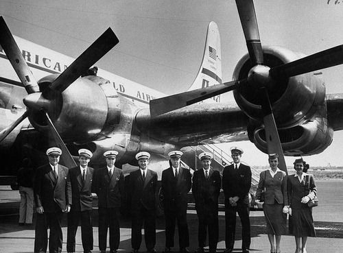 «Stratocruiser crew leaving for Germany, with a captain, first officer, navigator, third officer, two engineers, purser and two stewardesses (May, 1952)».