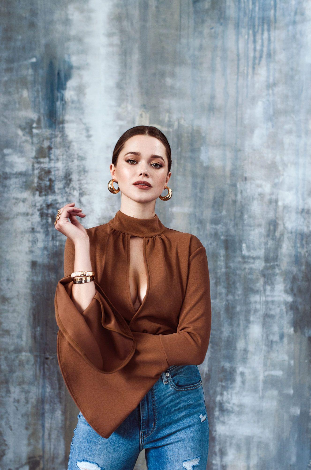 Valeria Lipovetsky on Life as an Influencer, Mothe