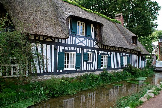 Ces maisons pittoresques de nos r gions colombage normand et distingu e - Maison colombage normandie ...