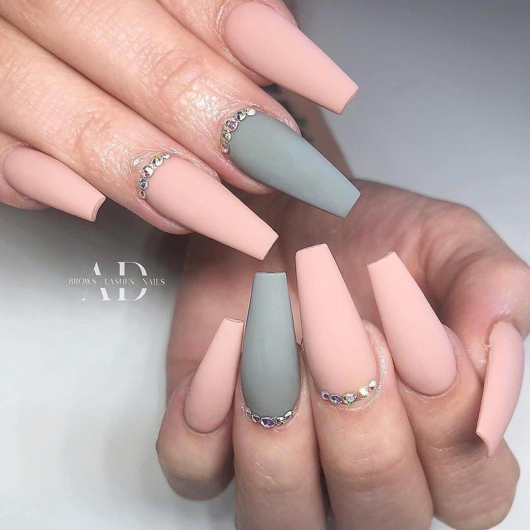 How To Make A Pretty Christmas Tree Pattern Easily In 2020 Grey Nail Designs Coffin Nails Long Ombre Acrylic Nails