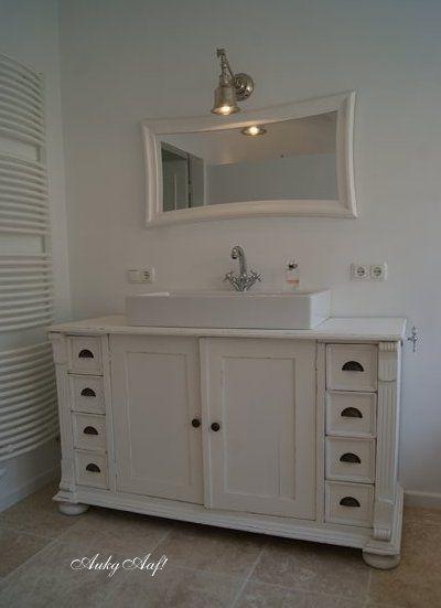 Mooie badkamer met brocante bad-meubel van AukgAaf! | bathroom ...