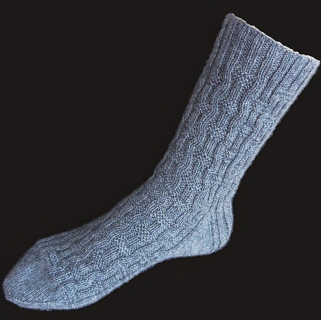 3 Bp Blogspot Com W3nfblfn2s Uoj48zuamyi Aaaaaaaaeoi D80m3y Bgza S1600 Porthos Sock Blck Medium2 Jpg Socken Stricken Muster Socken Stricken Sockenmuster