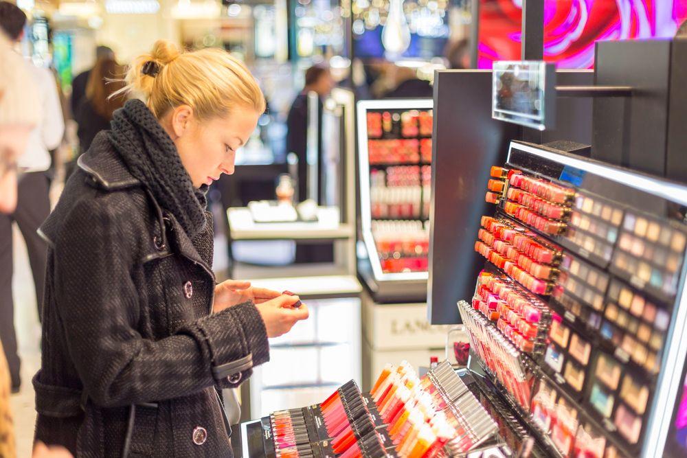 Conservateurs dans les cosmétiques  la DGCCRF a retiré 140 produits