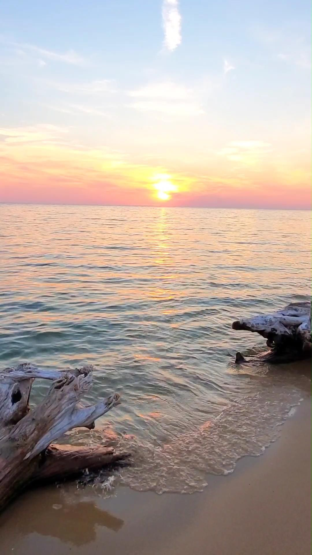 24 hours in a Michigan state park with perfect sunset - summer vacation ideas