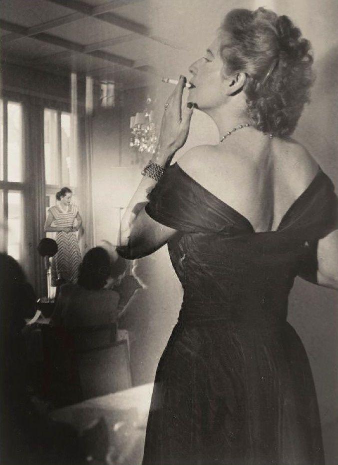 Heinz Hajek-Halke, Beim Mode-Tee c1930