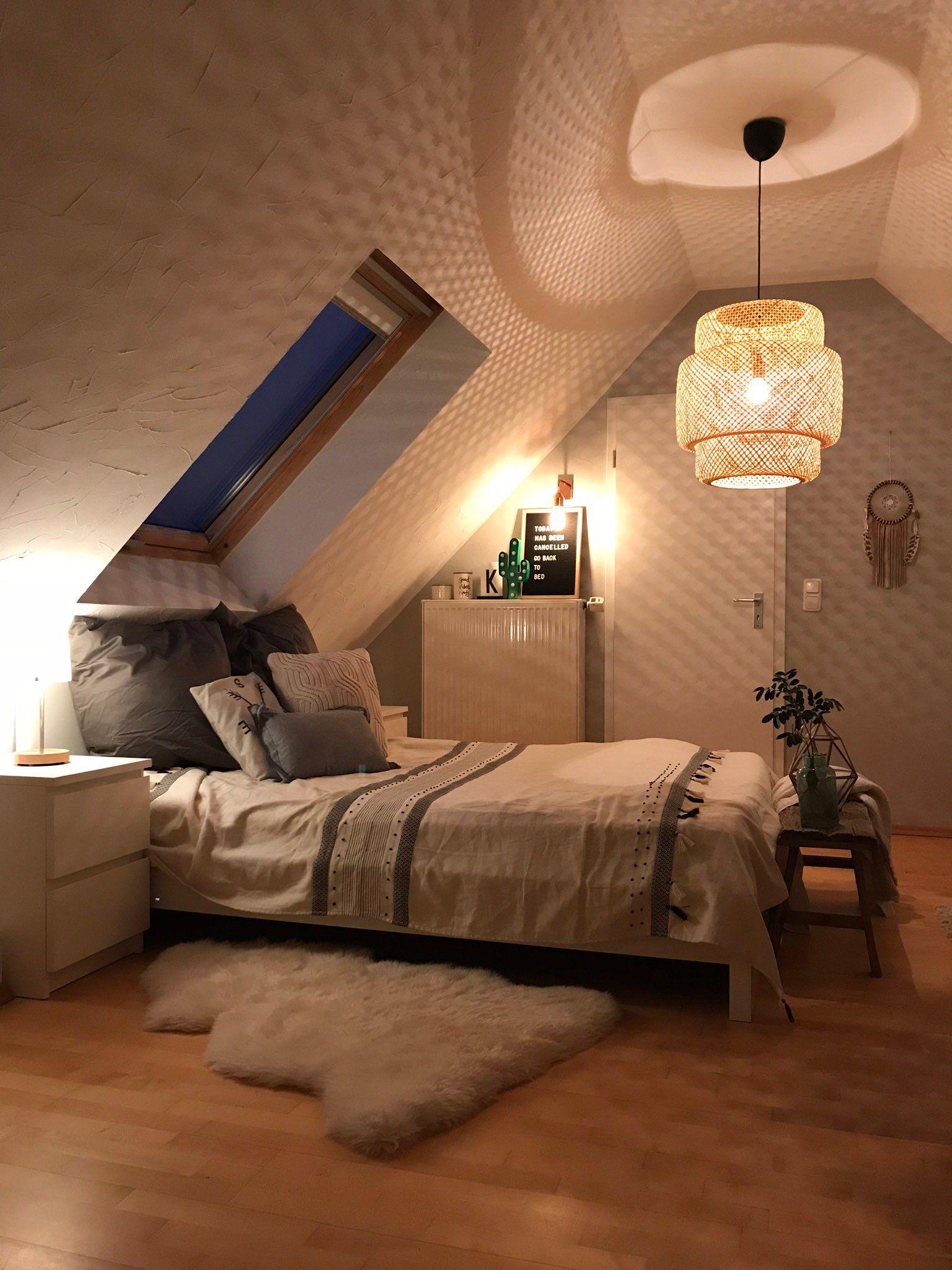 Moderne, helle Maisonette Dachgeschosswohnung
