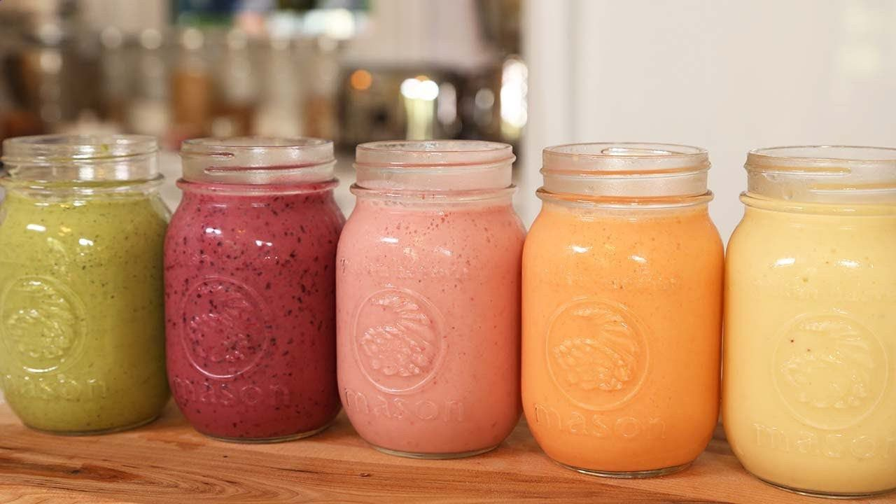 A Week of Delicious Breakfast Smoothie Recipes!