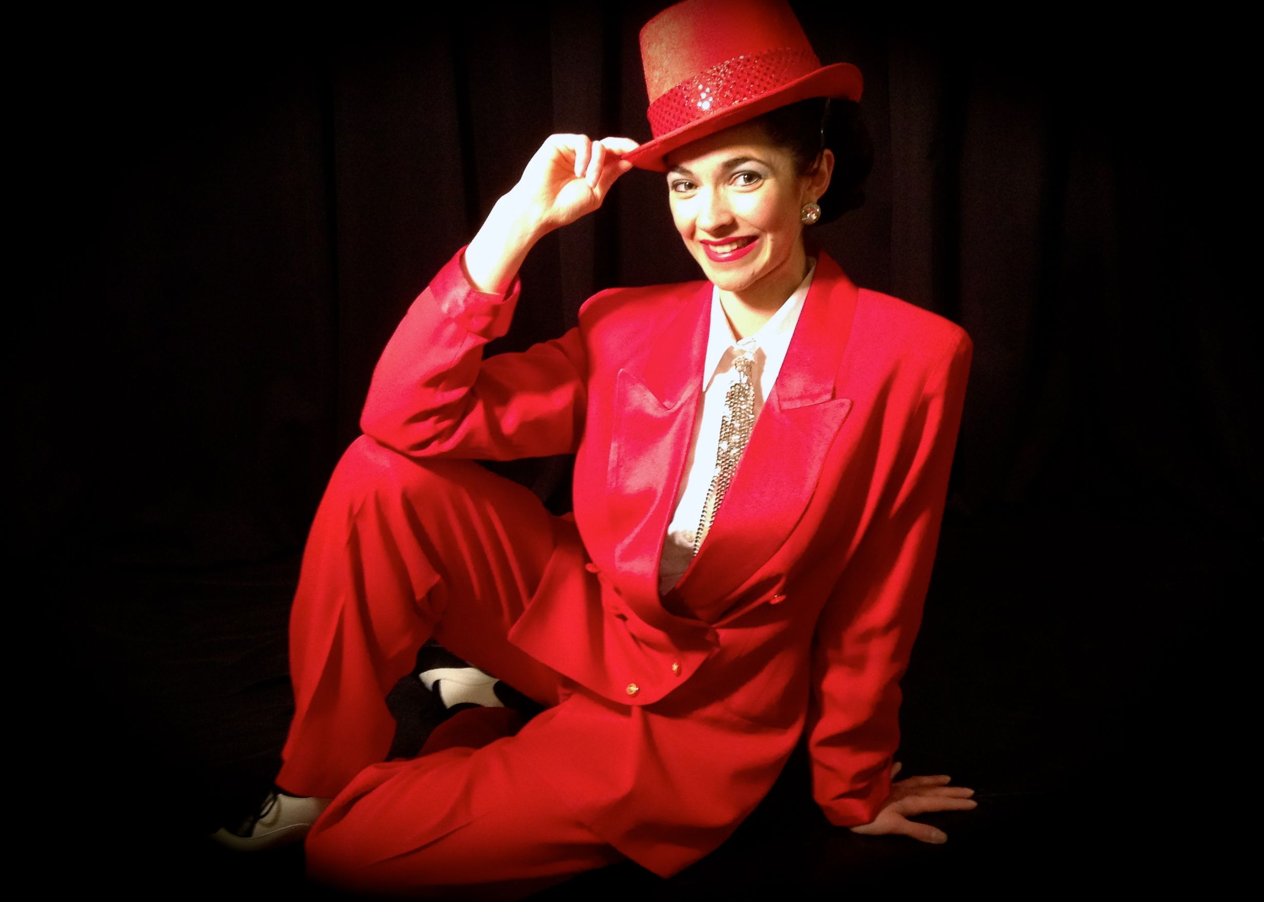Red Tap Dance Tuxedo And Top Hat Featured In The Swing St Louis Show Worn With Black And White Wingtip Tap Shoes Book Christmas Fashion Fashion Tap Dance