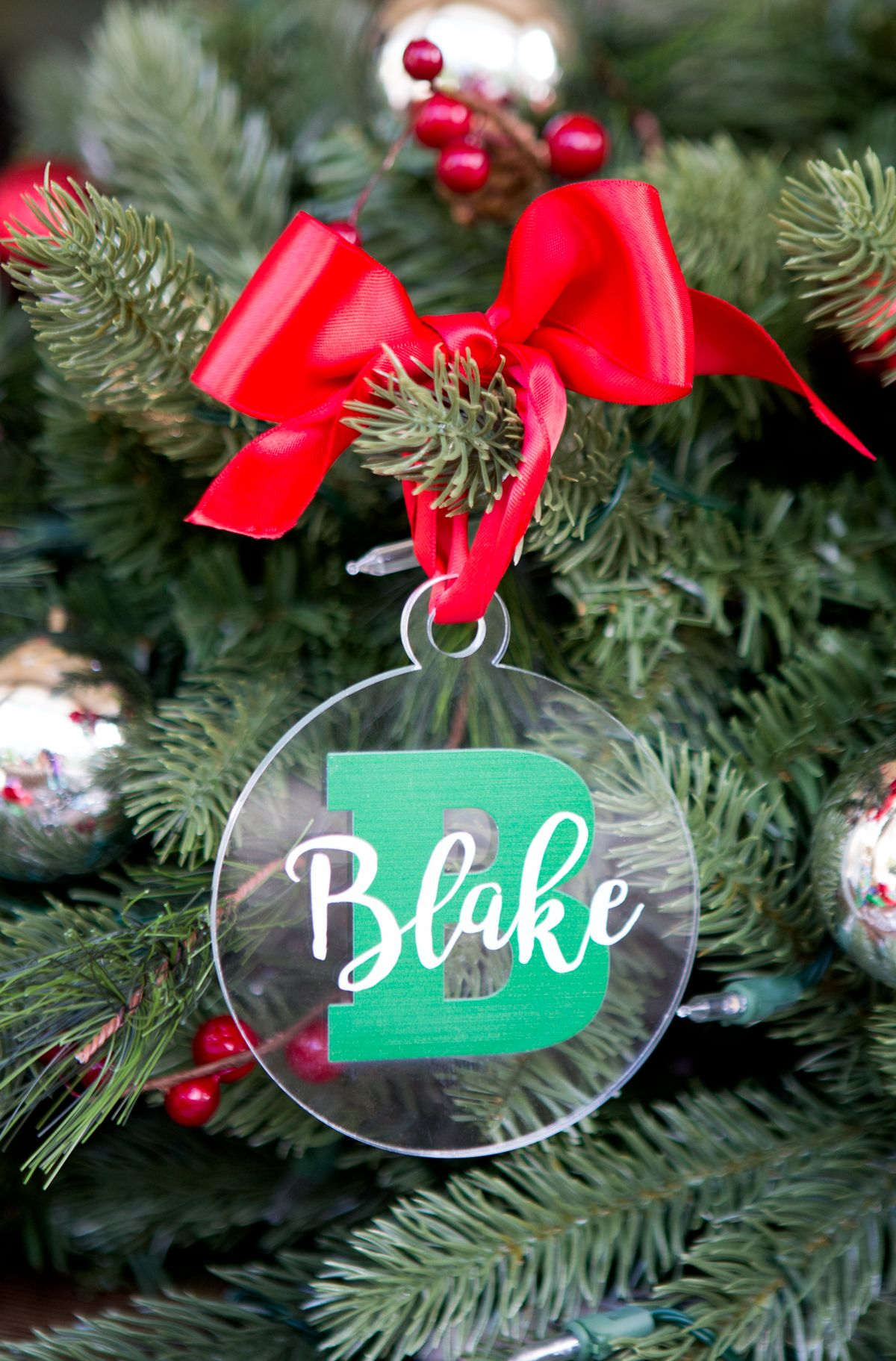 Christmas Ornament Personalized Name And Letter Clear Acrylic Etsy In 2020 Christmas Ornaments Personalized Christmas Ornaments Name Christmas Ornaments