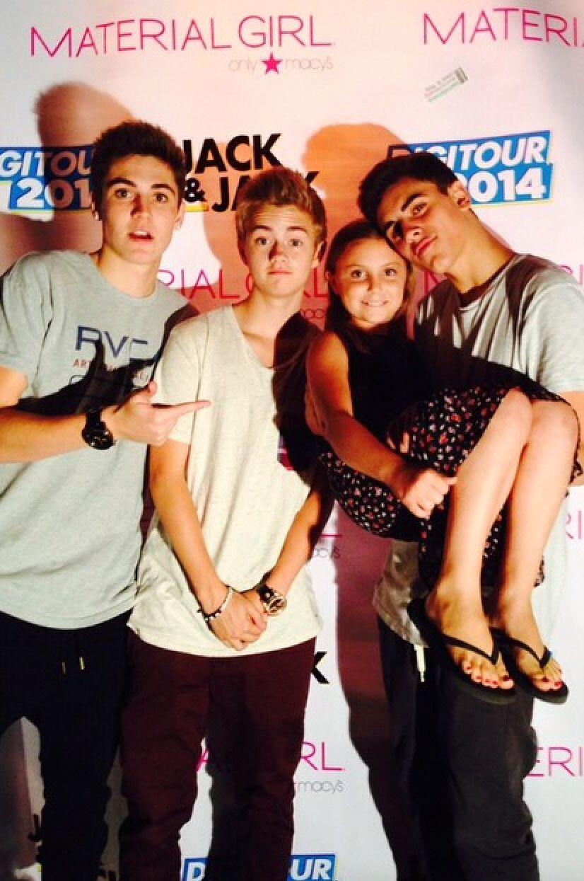 Sam Wilkinson Jack Johnson And Jack Gilinksy With A Fan Magcon