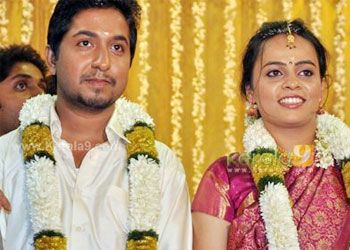 Www Sameepam Vineeth Sreenivasan Weds Divya Star Weddingkerala