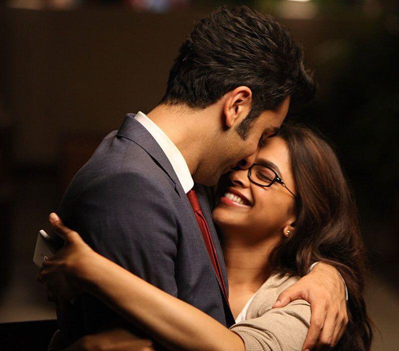 Ranbir Kapoor Hugs Deepika Padukone What A Moment Deepika Padukone Movies Bollywood Couples Ranbir Kapoor Deepika Padukone