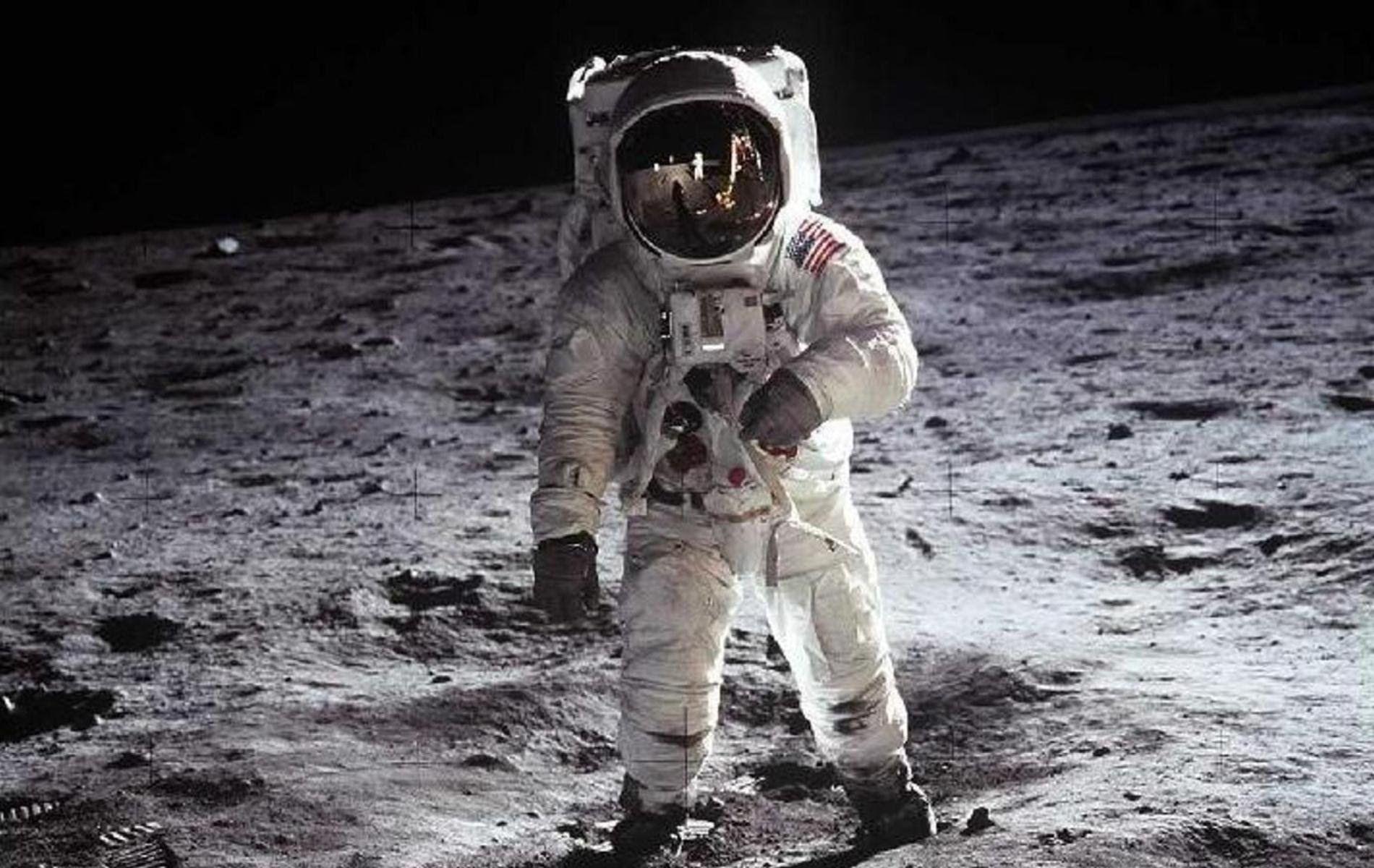 Wettlauf zum Mond 3v4 Der erste Mensch im All  DOKUHOUSE