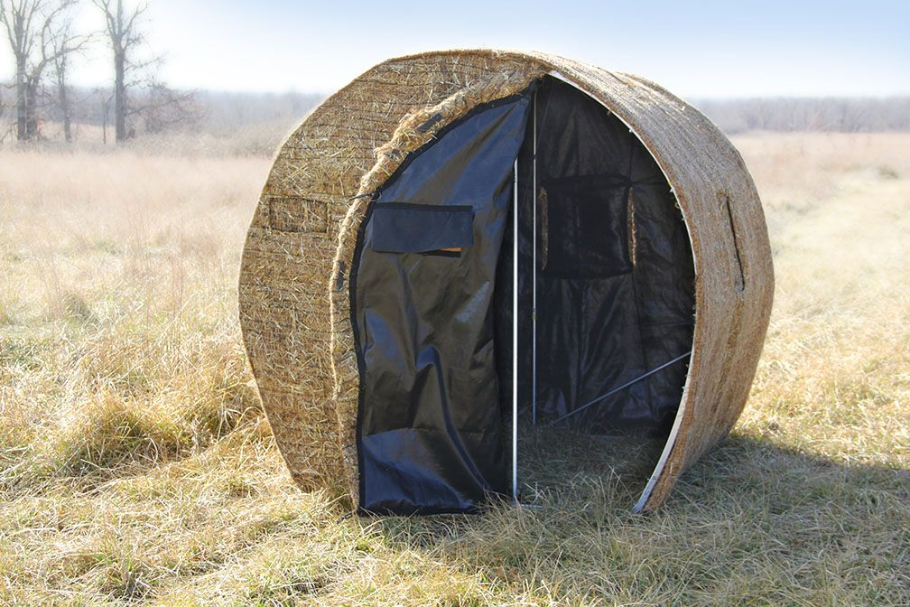 A Cozy Hunt Awaits Redneck Hay Bale Blinds Pinterest