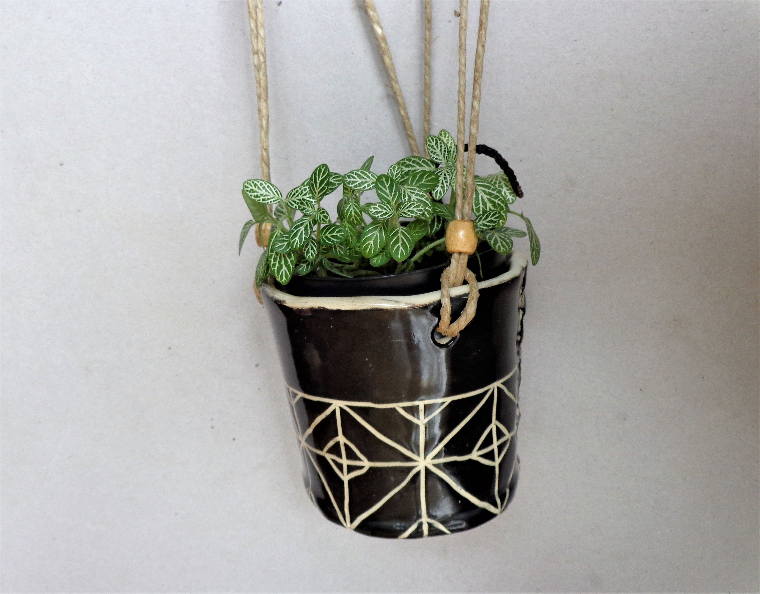 Small Black Sgrafitto Textured Hanging Planter Rustic Round Indoor Or Outdoor Hanging Planter Pot Hom Geometric Diamond Pattern Hanging Planters Planter Pots