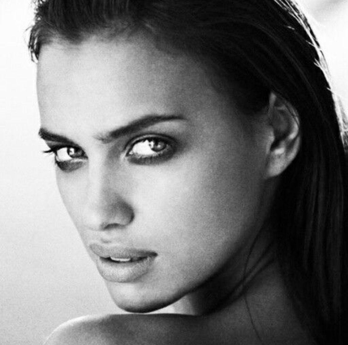ирина шейк черно белые фотографии