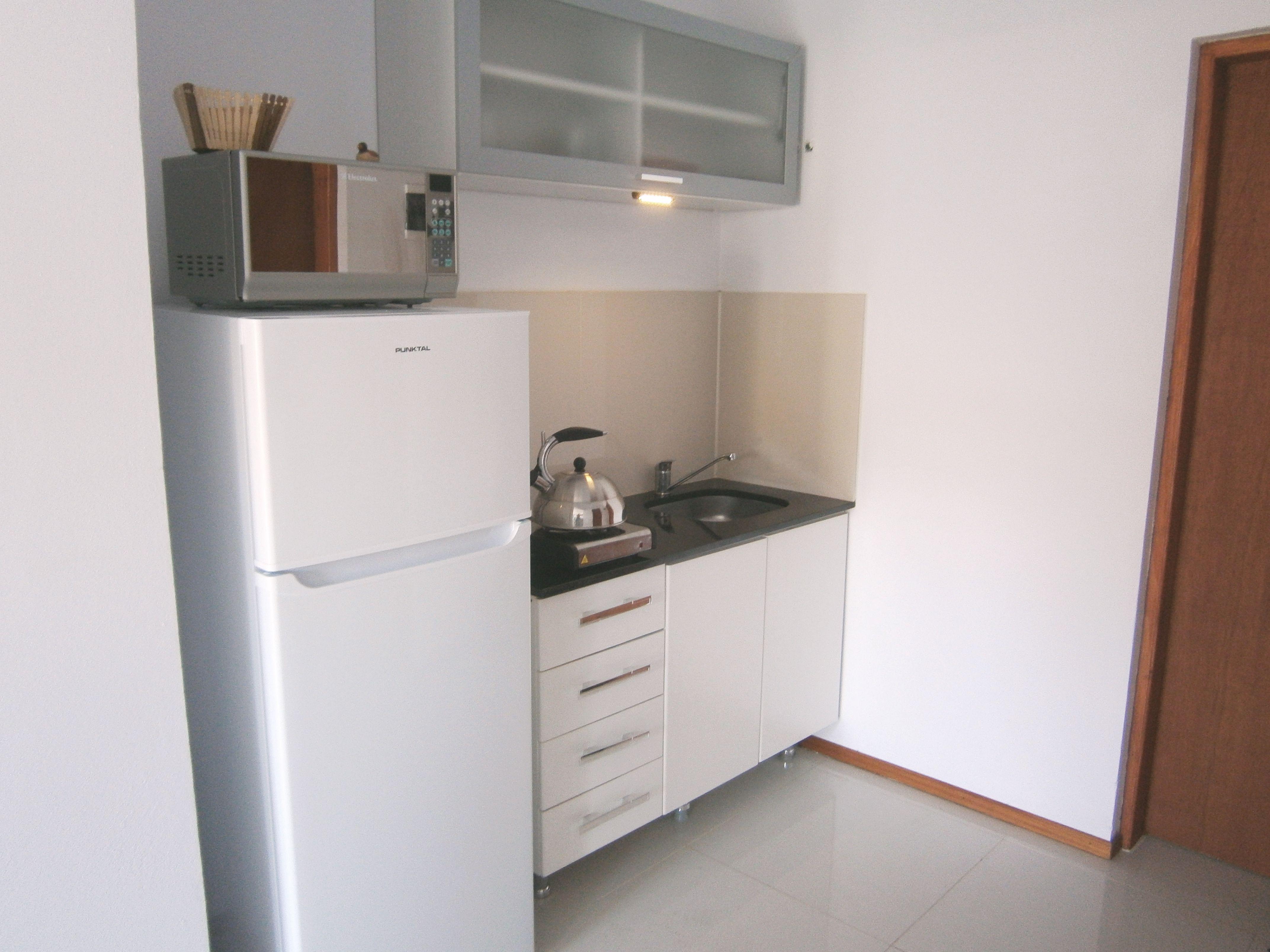 cocina heladera con freezer microondas y anafe casa On heladera y cocina juntas