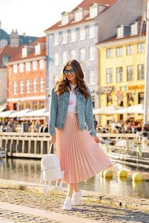 20+ Popular Women Outfit Ideas With Skirts