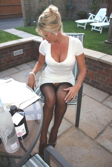 women sitting panties no Mature upskirt