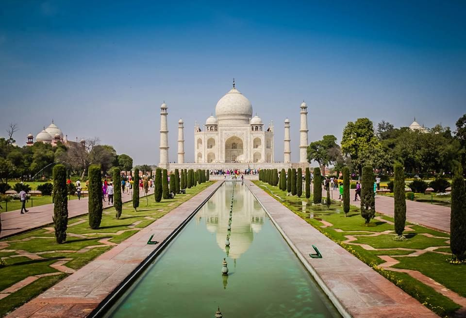 Great photo of the Taj Mahal I found the other day while going through my photos. I have thousands of unedited photos that I am just starting to go through from the past year of our travels. Do you guys want to see more photos? #travel #incredibleindia #love