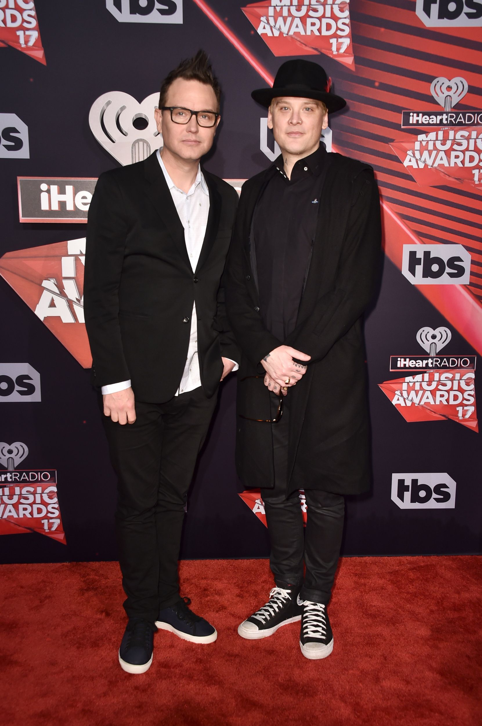 Stars Turn Heads At The Iheartradio Music Awards 2017 See The Red Carpet Pics Blink 182 Blink 182 Albums Blink 182 Cover