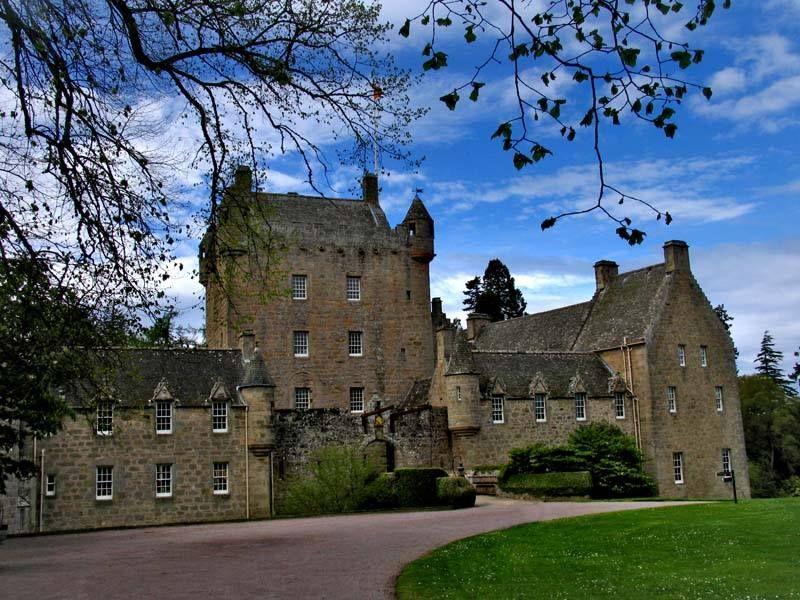 Cawdor Castle © James Ross