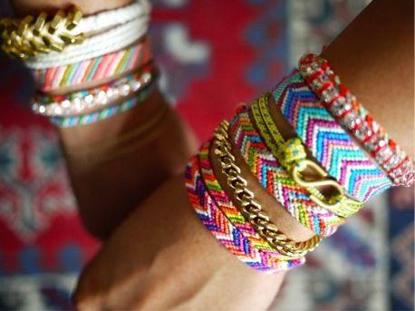 for Teenagers — Chevron Friendship Bracelets (VIDEO) Crafts for Teenagers — Chevron Friendship Bracelets (VIDEO) - Craftfoxes. DIY for teensCrafts for Teenagers — Chevron Friendship Bracelets (VIDEO) - Craftfoxes. DIY for teens