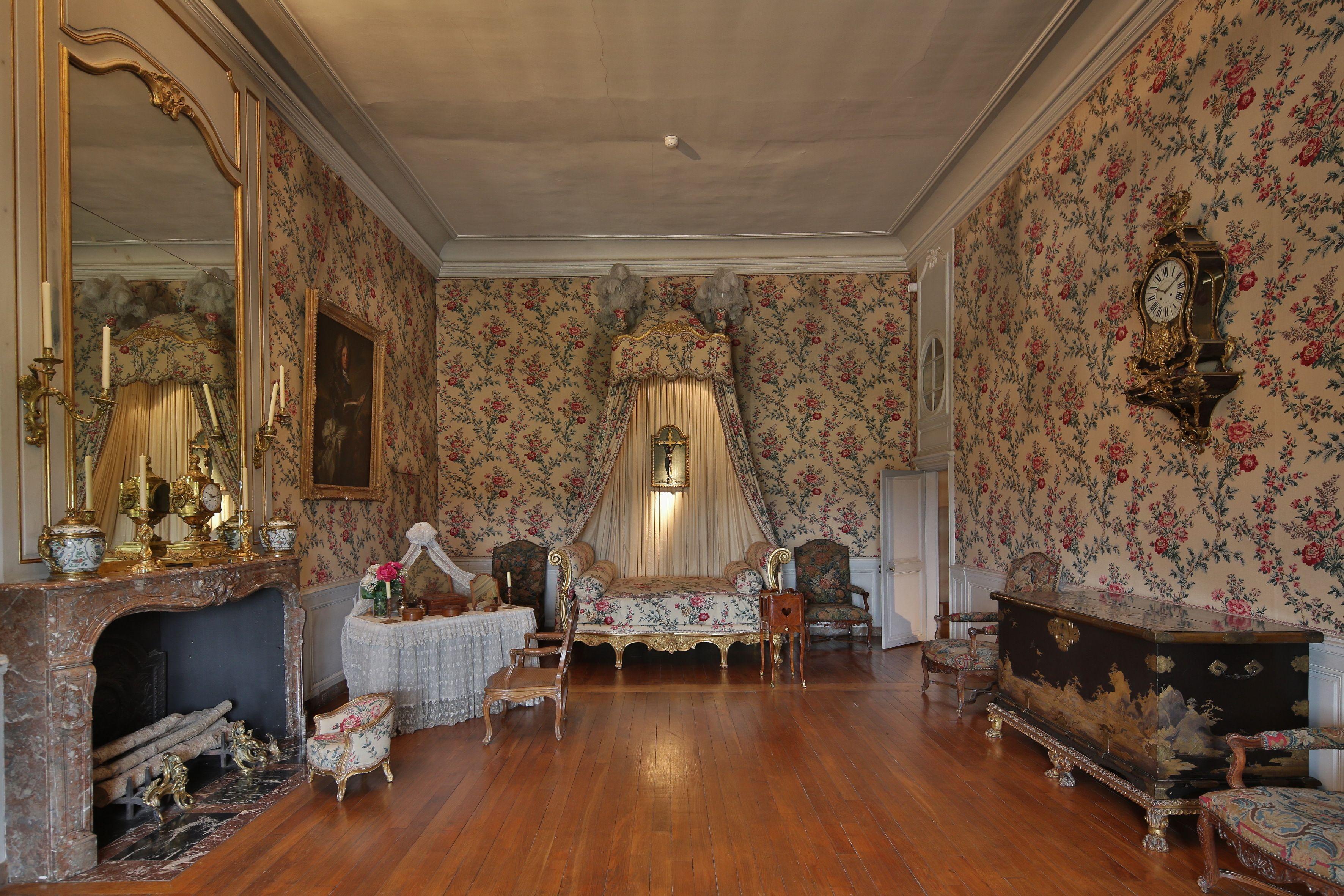 Vaux Le Vicomte La Chambre Louis Xv C Yann Piriou French Style Furniture Old World Bedroom Chateau France