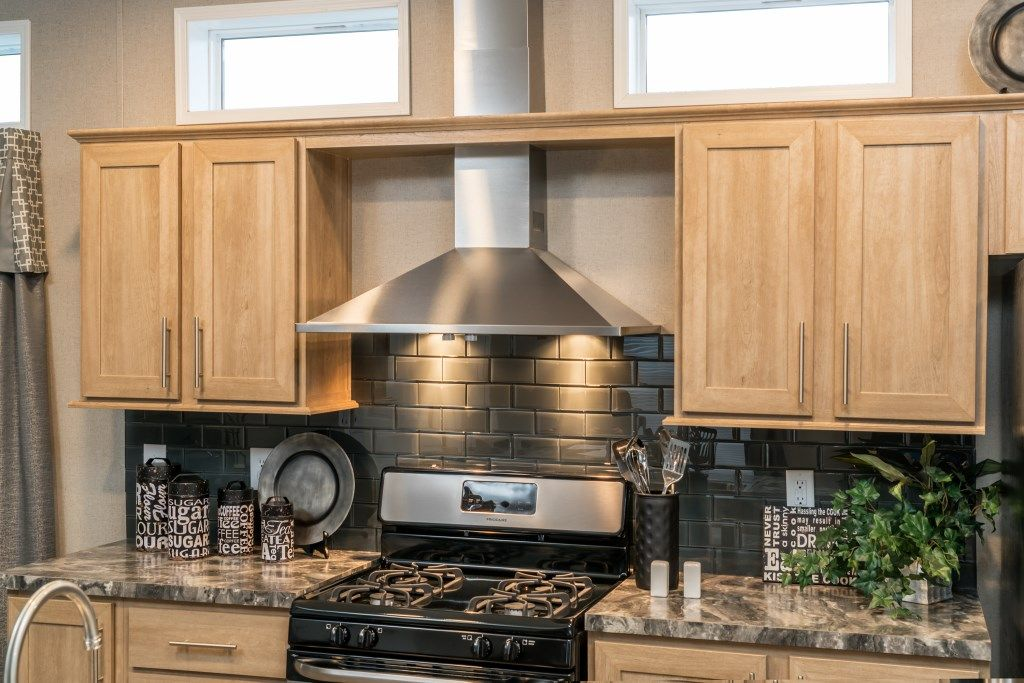 Commodore Homes Of Pennsylvania Astro Single Section 16 Wide 1a135a Stainless Steel Range Hood Transom Home Finding A House Stainless Steel Range Hood