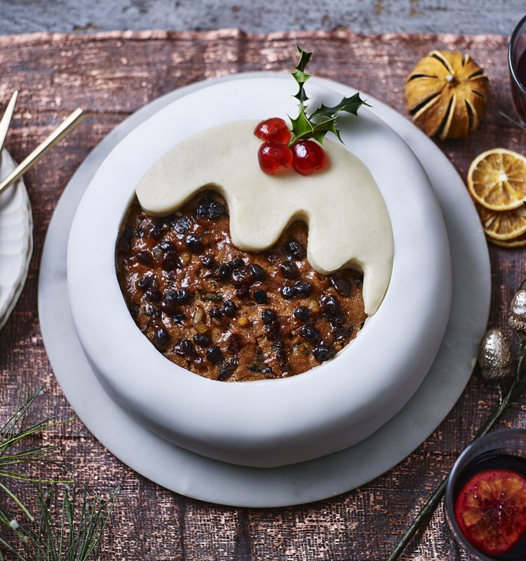An easy cutout decoration for christmas cake by frances quinn makes bbc food recipes christmas pudding cake by frances quinn a contestant on the great british bake off forumfinder