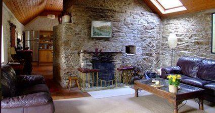 Traditional Irish Cottage | Coolmore Estate, Co. Cork, Ireland   Tel: 00