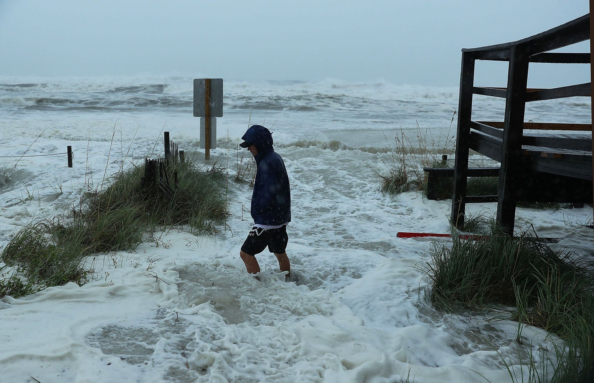 Storm Charges North Leaving Destruction In Florida Gulf Coast Florida Hurricane Storm Surge