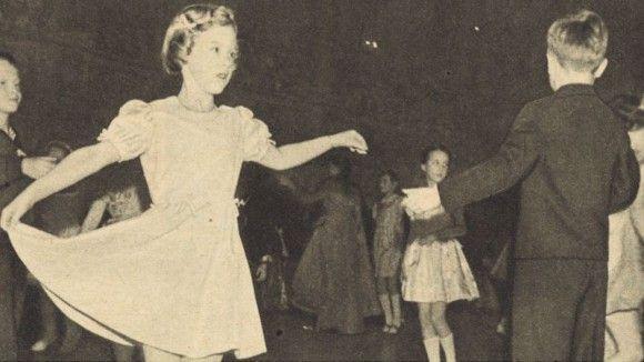 Prinsesse Margrethe Til Afdansingsbal Afdansningsballet I Inger Dams Danseskole Har I 1948 Deltagelse Af Prinsesse Margrethe Pa 8 Prinsesse Billeder Kongelige