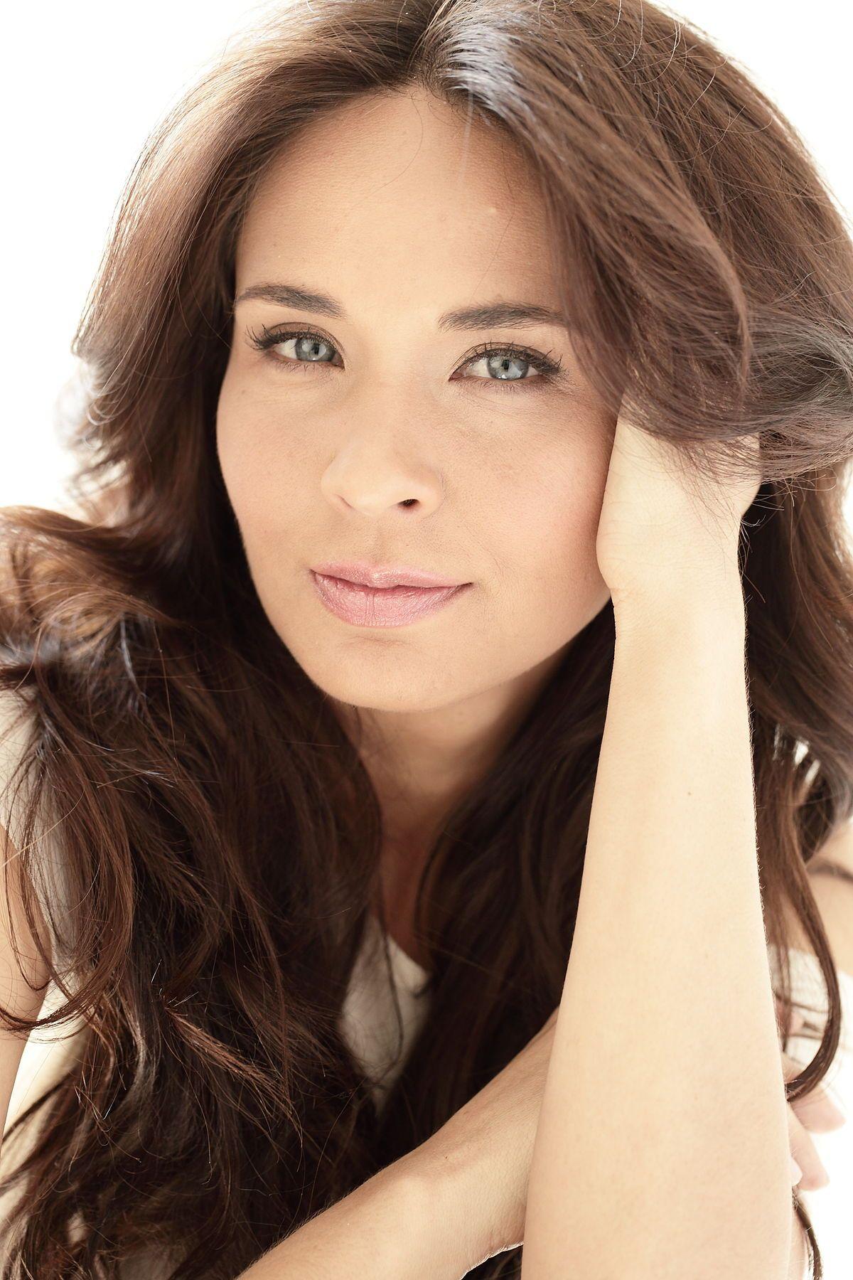 Adriana Louvier (con imágenes) | Famosas guapas, Ideas de