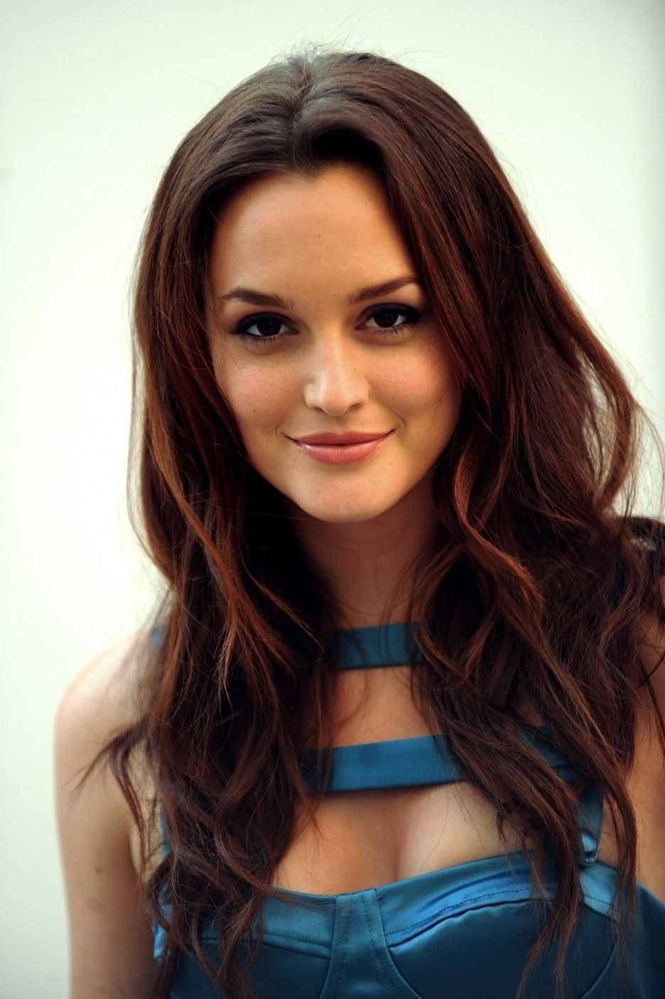 Top 27 Leighton Meester Pretty Hairstyles Pretty Designs Leighton Meester Hair Long Sleek Hair Pretty Hairstyles