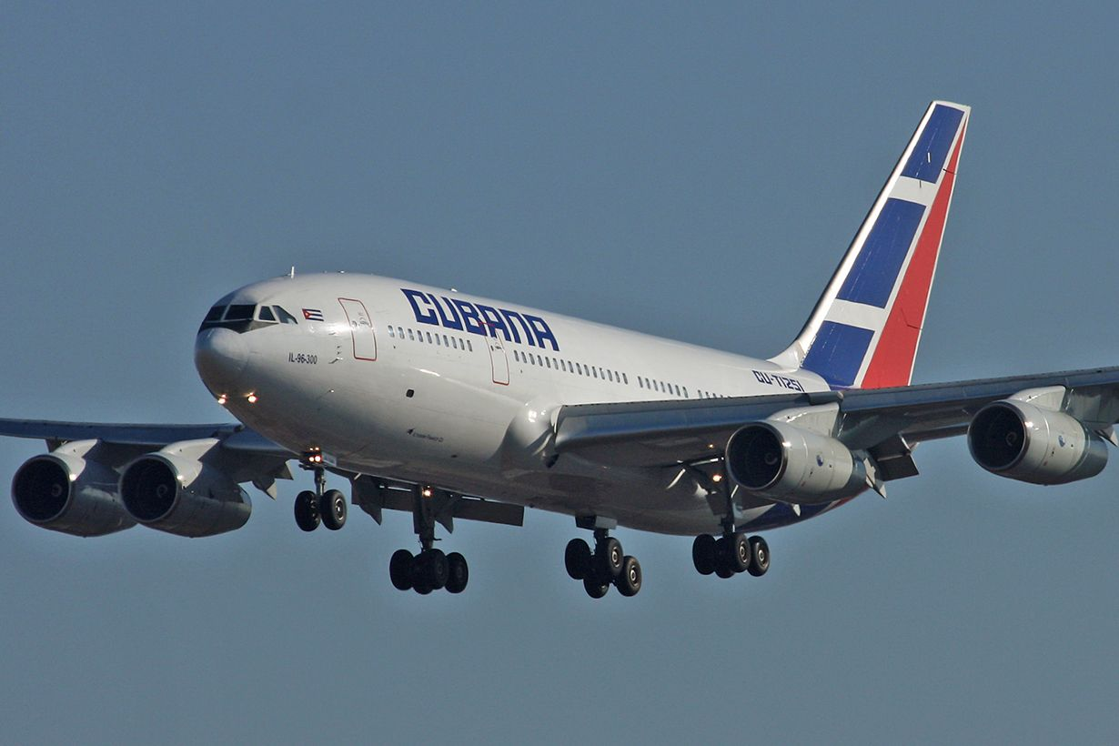 Pin Op Airlines Of Cuba