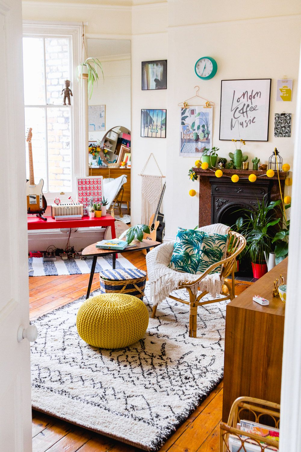 Decorating a shared room | Living room interior, Home ...